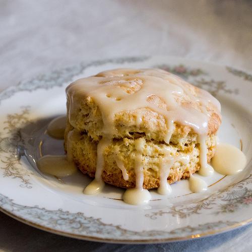 Vanilla scones with Vanilla icing